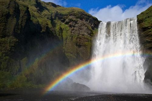 Bild3: Wasserfall mit Regenbogen